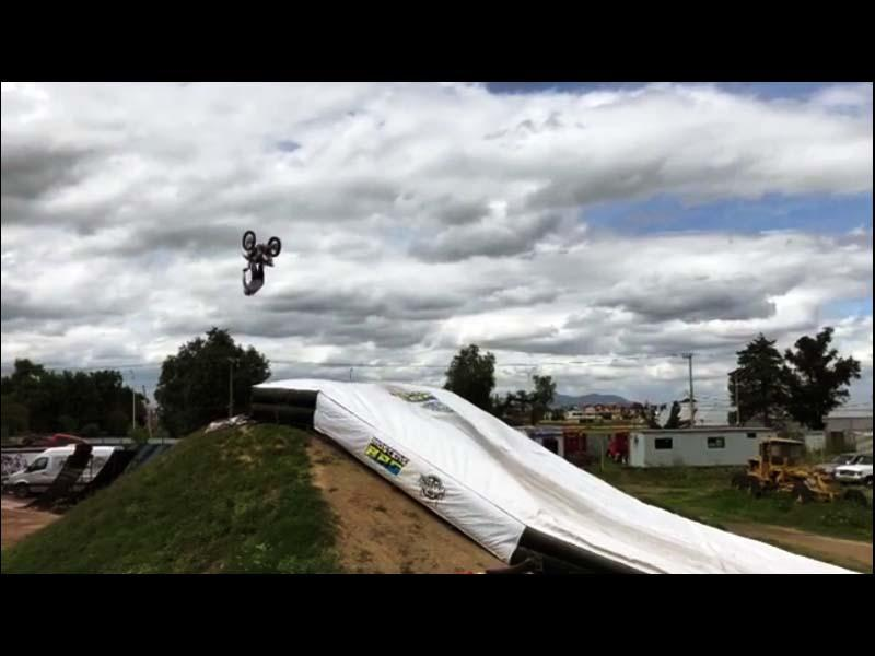 FMX airbag