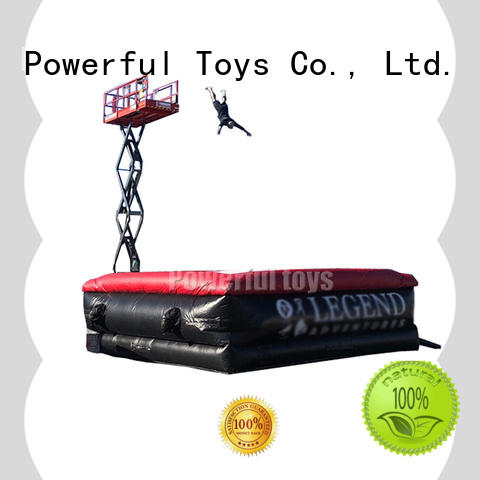 Powerful Toys stunt airbag for snowboard