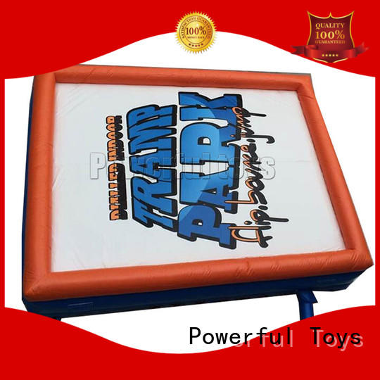 Powerful Toys customized air stunt park for jumping