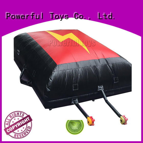 Powerful Toys snowboard airbag for sports