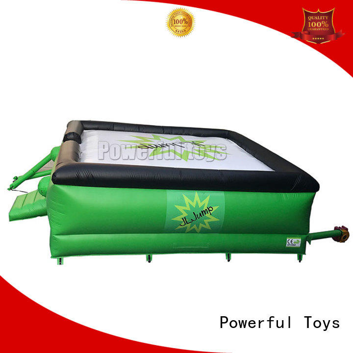 Powerful Toys free-fall jumping air bag game for skiing