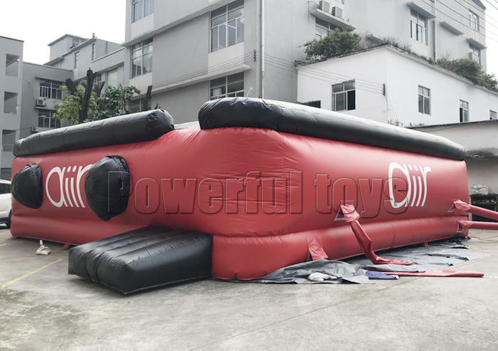 Inflatable stunt jump airbag for extreme sports